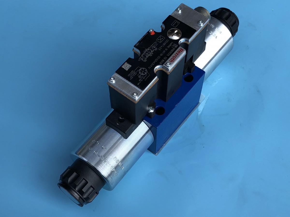 R900707215 4WRAE 10 W1-30-2X/G24K31/F1V